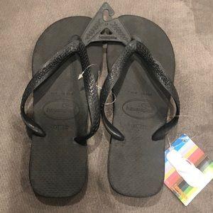 Havaianas black flip flop